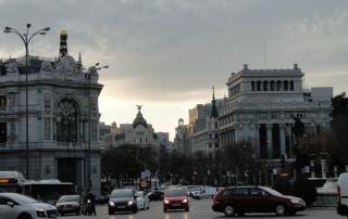 Trecho da Gran Via perto do Paseo del Prado, no centro de Madri