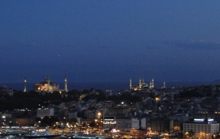Istambul à noite: o Bósforo, a Mesquita Azul e a Hagia Sophia